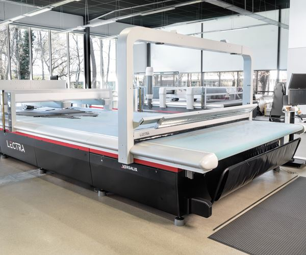 CNC Interior Leather Cutting System; Mobile App for CNC Monitoring; Long-stroke Gripper for Cobots       image