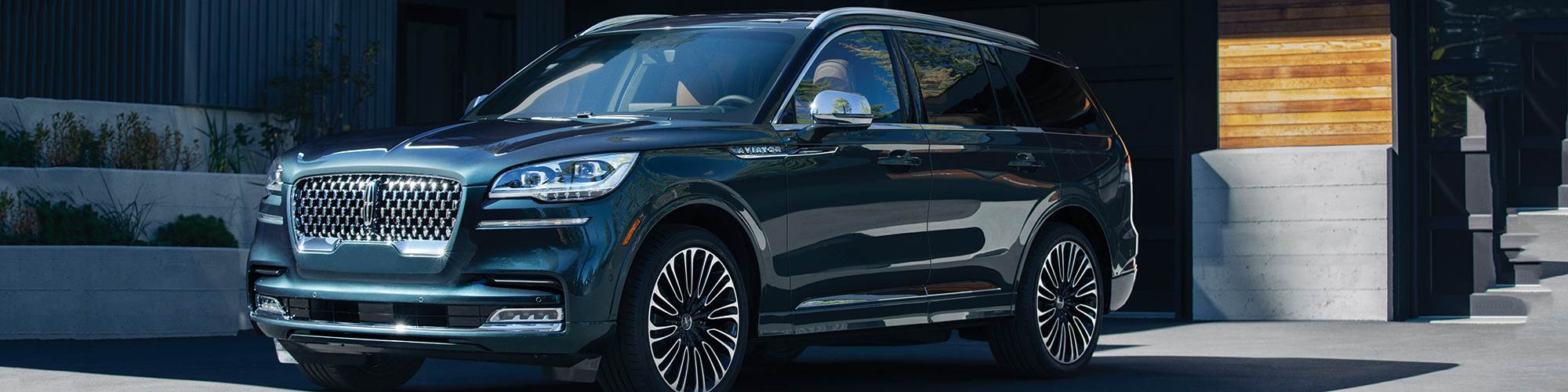 The 2020 Lincoln Aviator is based on a RWD platform, though it is available as AWD. It comes standard with a 400-hp twin-turbo 3.0-liter V6 or as a plug-in hybrid that uses the same engine and supplements it with an electric drive motor to provide 494 systems horsepower.