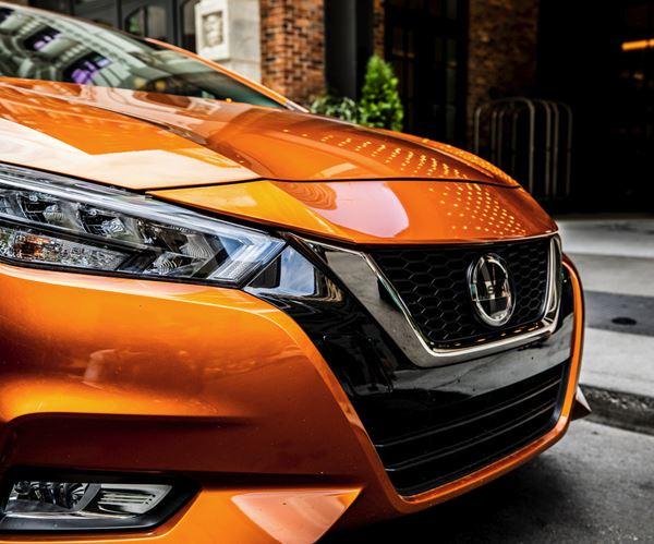 2020 Nissan Versa SR image