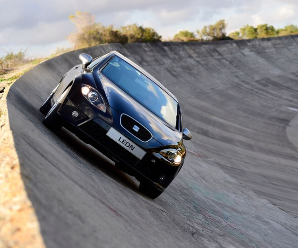 SEAT Leon Sales Beyond Spain image
