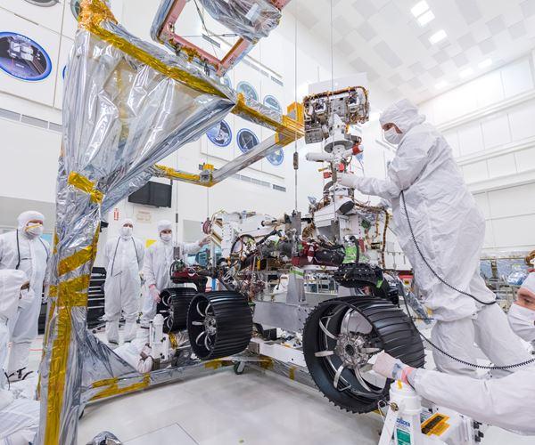 Lenses Going to Mars image