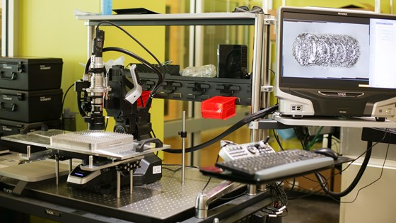 Microscope for measuring additive manufacturing parts