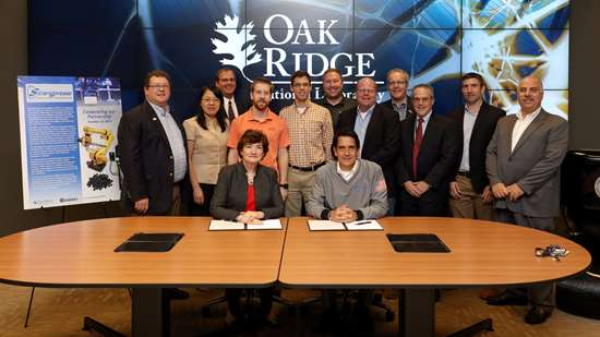 Teams from Oak Ridge National Laboratory and industry partner Strangpresse