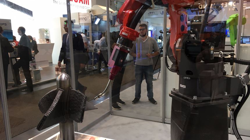 Autodesk robot makes 3D-printed boat propeller