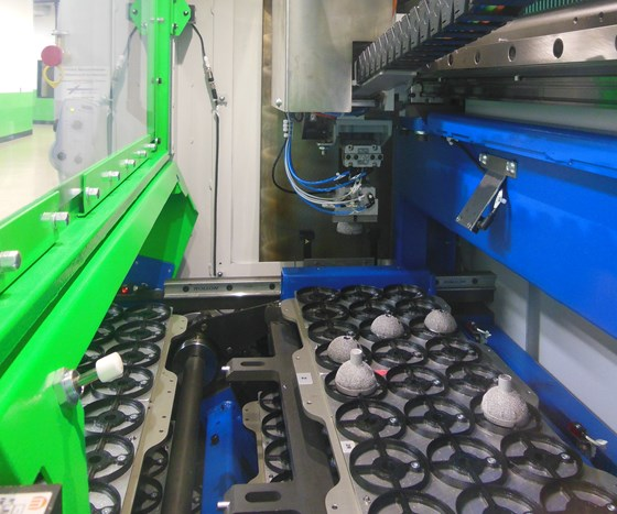 Willemin 508 MT machining center with automated part carousel
