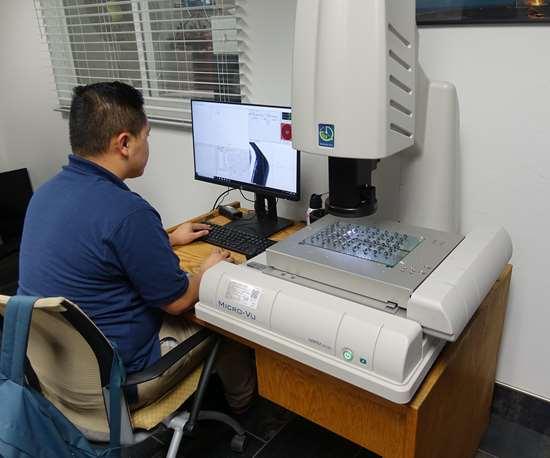 3DEO Micro-Vu Vertex 251UC 2D vision measurement system
