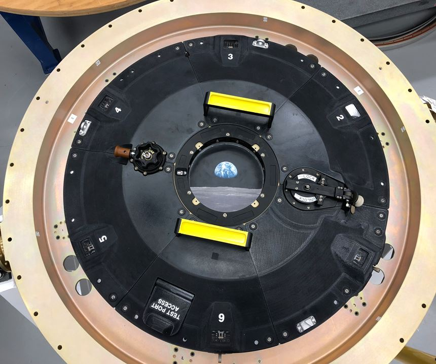 Orion docking hatch assembly