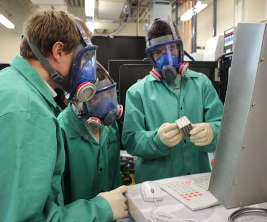 PSU students working in an AM lab