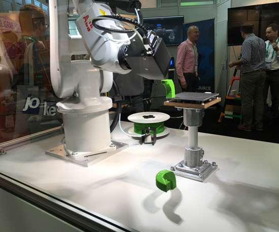 robot at Formnext 2018