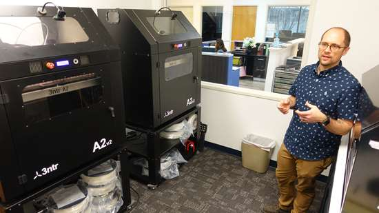 3d printers making tooling in office