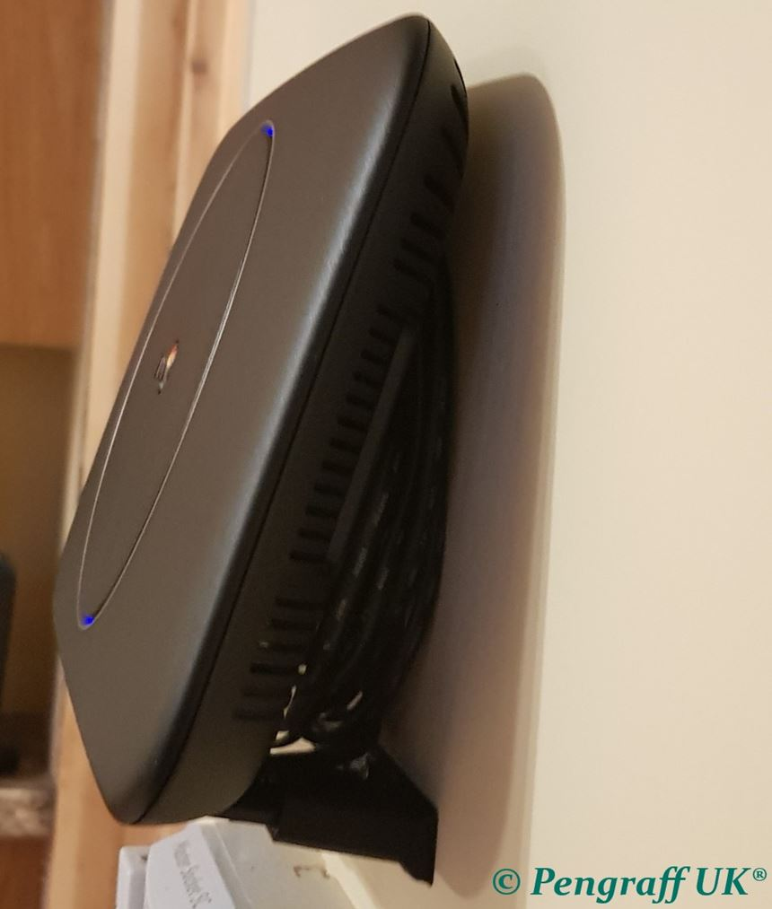 BT Smart Hub 2 mounted using Pengraff UK mounting solution bracket