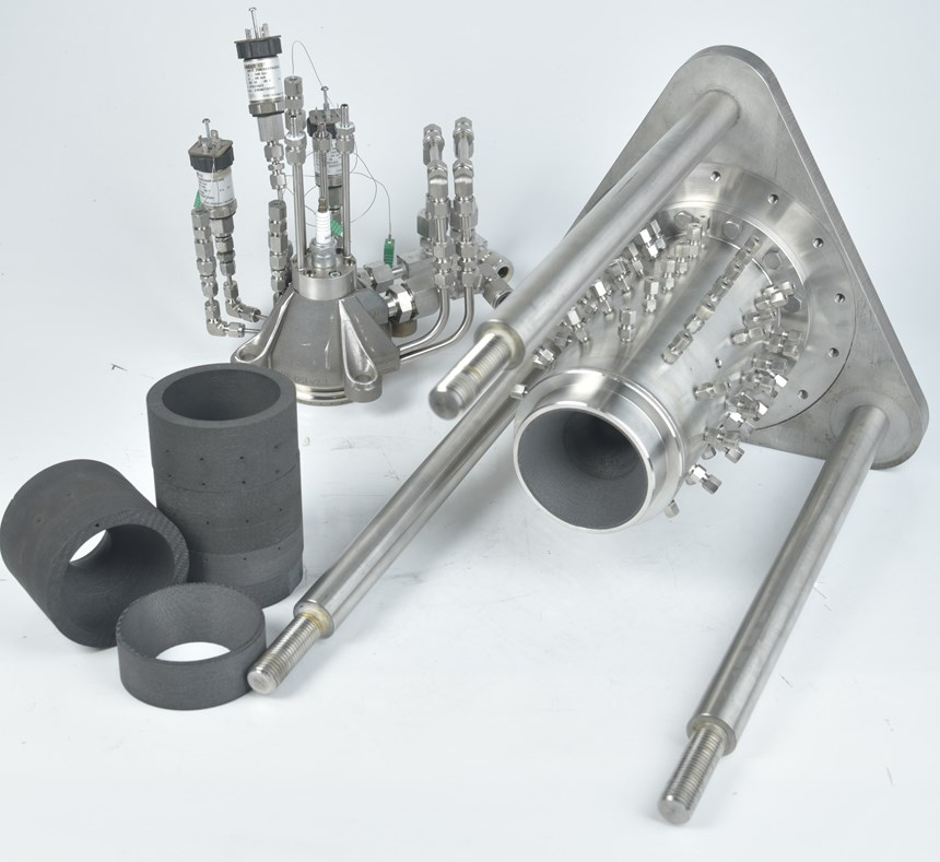 Setup of LOX/kerosene rocket engine with 3D-printed injector and ceramic combustion chamber.
