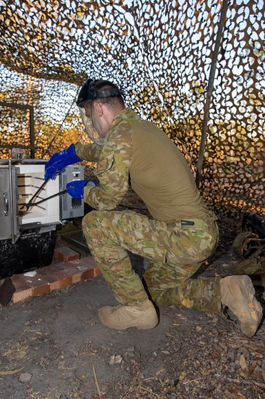 A 'WarpSpee3D' 3D metal printer was put through its paces by the Australian Army.