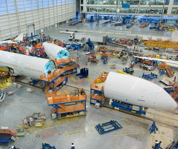 787 Dreamliner assembly line