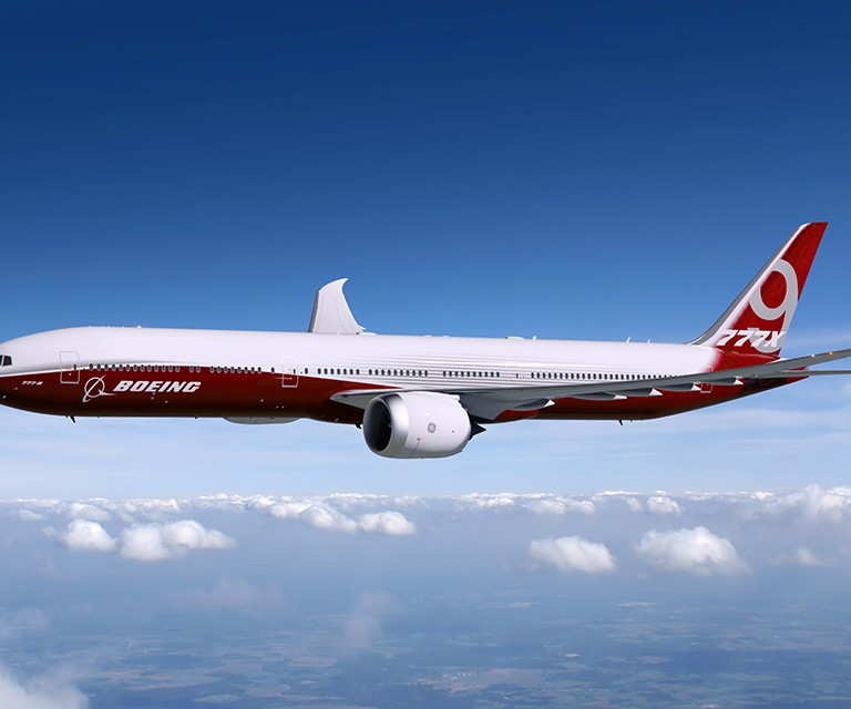 Boeing 777x with composite wings