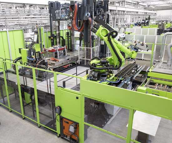 ENGEL machinery in the Centre for LightweightComposite Technologies.