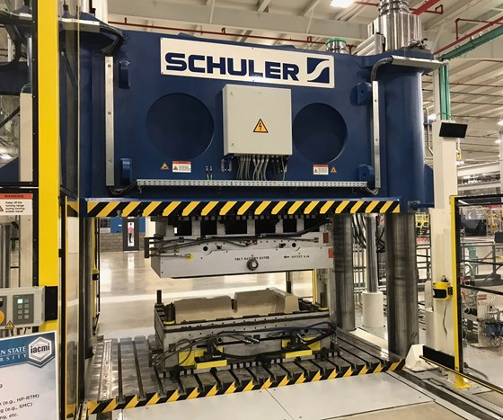 4,000-ton Schuler compression molding machine