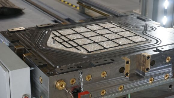 iComposite 4.0 AZL Schuler press glass fiber spray deposition preform with local carbon fiber UD patches