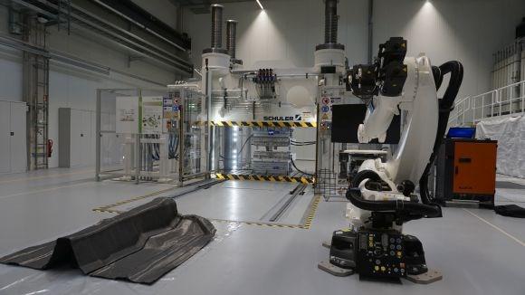 iComposite 4.0 project beginning installations AZL Schuler press
