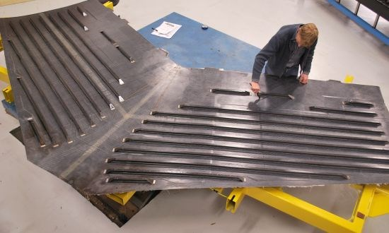 Aircraft horizontal tail demonstrator made by GKN Fokker using Solvay CF/PEKK thermoplastic composite