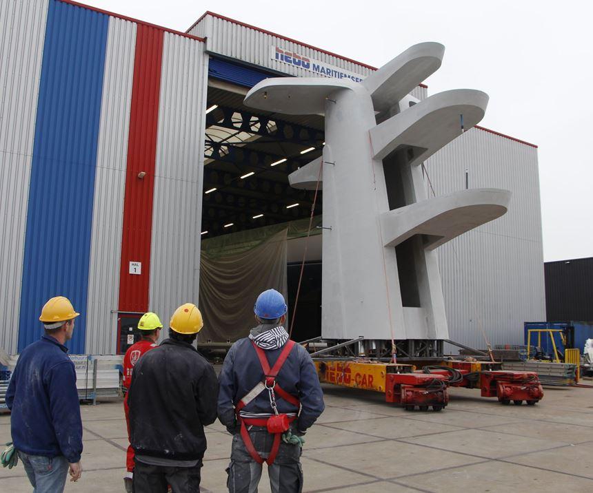 Vabo Composites 10m-tall composite mast