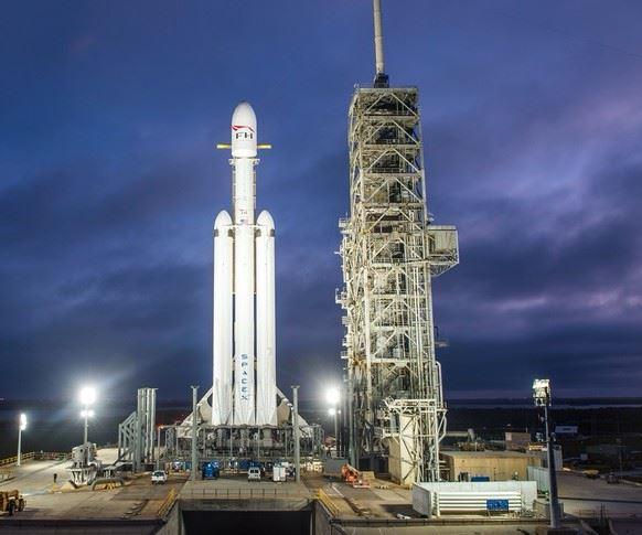 SpaceX Falcon Heavy rocket.