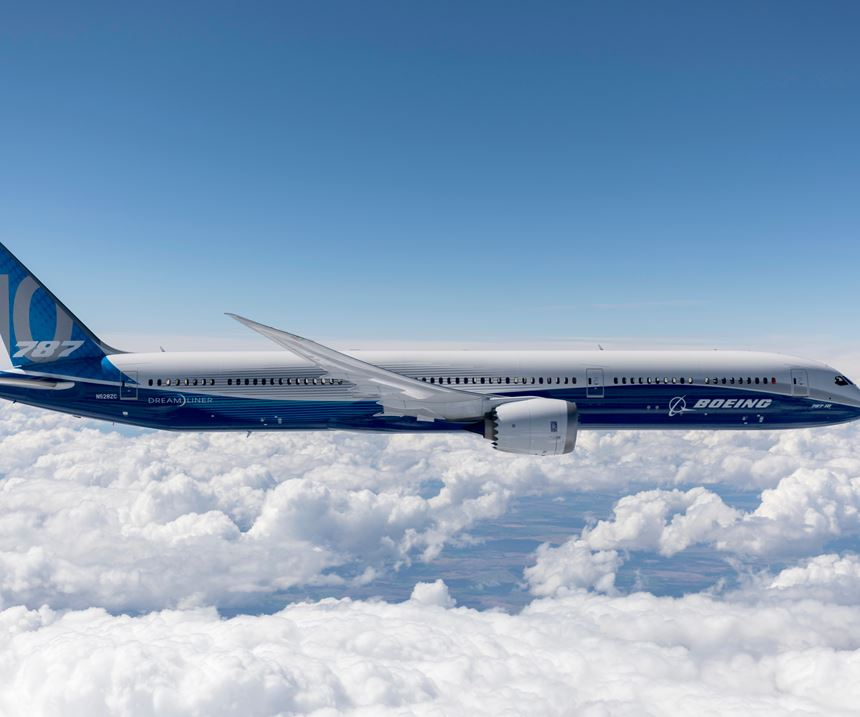 Boeing 787-10.