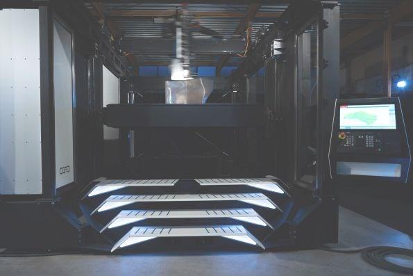 CFAM continuous fiber 3D printer by CEAD