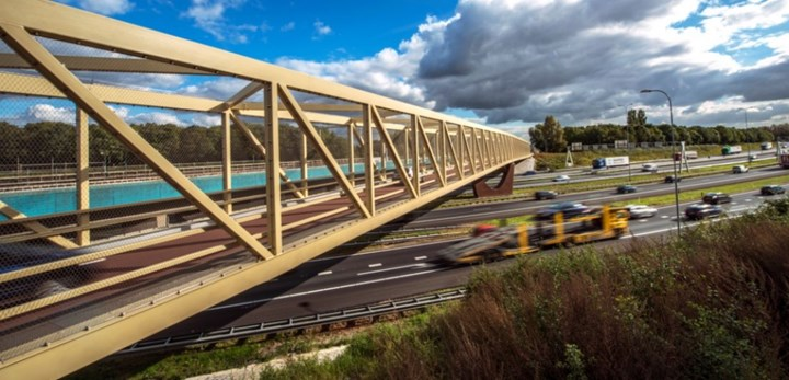 composite bridge spanning A27 in Utrecht Netherlands made with InfraCore