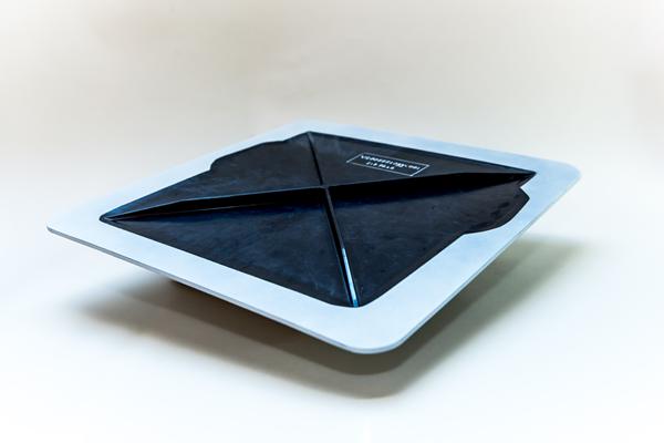 回收的热塑性复合材料旋翼机访问面板拍摄飞行图像