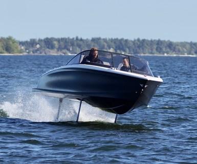Candela Boats Seven foiling speedboat turning