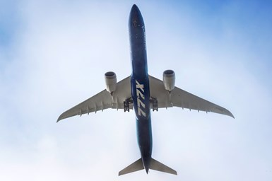 Boeing 777X in flight
