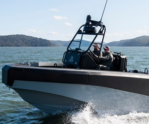 ATL Composites contributes to carbon fiber composite powerboat hull
