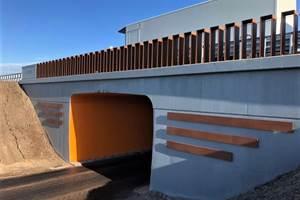 索尔科工程师荷兰基础设施项目的复合元素