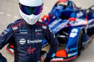 帝人芳纶(Teijin Aramid)、OMP Racing复合E级方程式赛车服提高了防护性能的标准