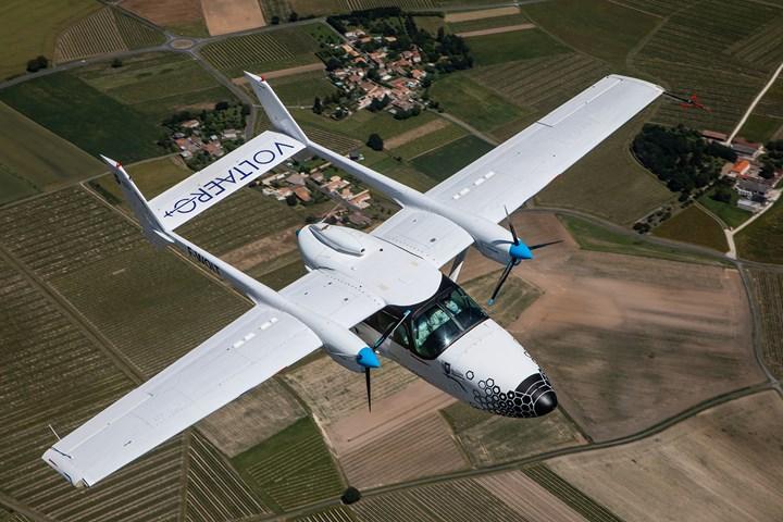飞行中的沃特罗演示机