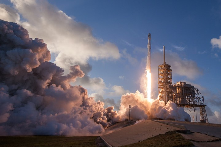 SpaceX火箭发射。