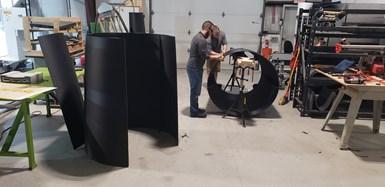碳纤维复合3D打印AUV船体公平的组装