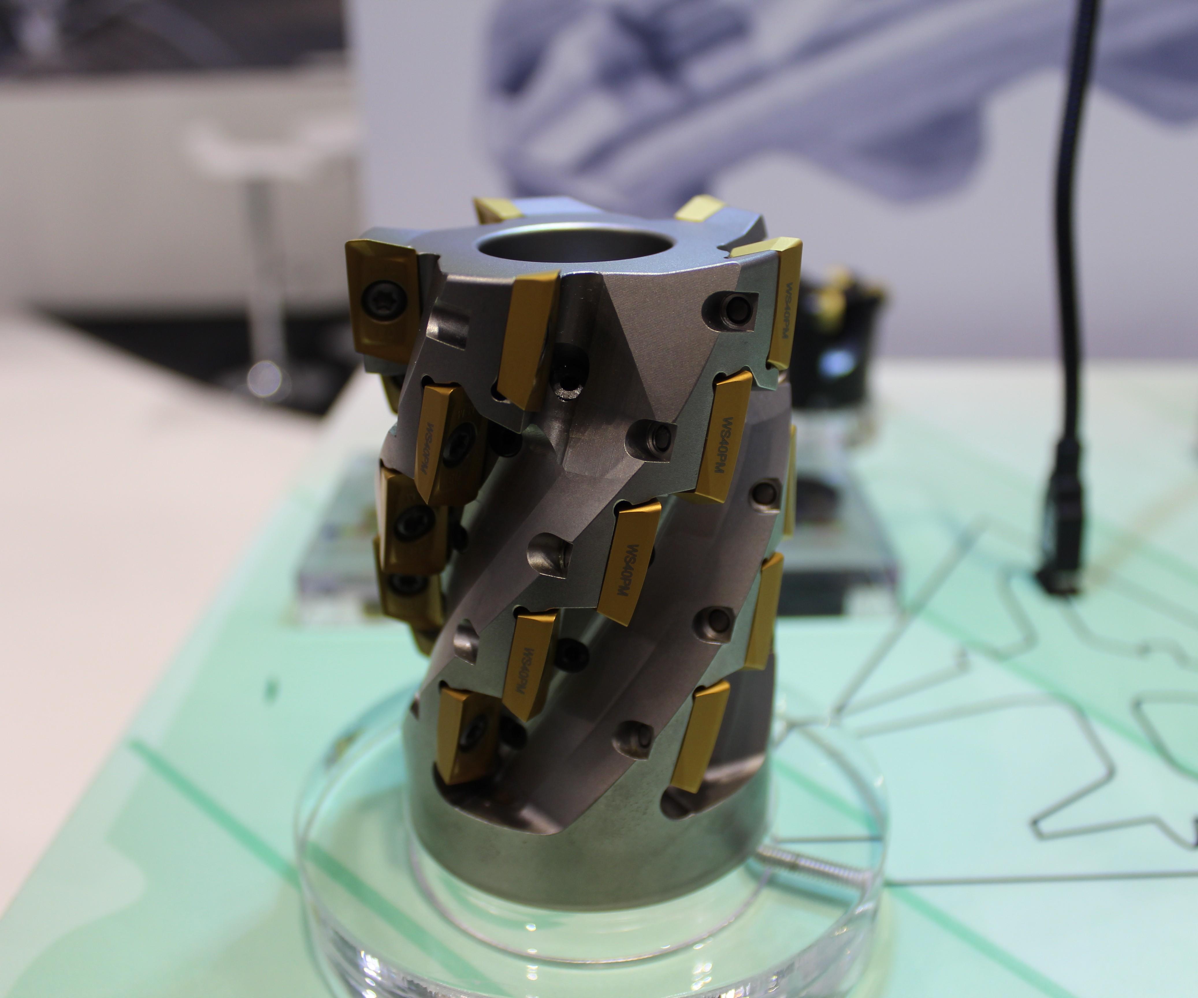 El cortador VSM 17 de Widia para la industria aeroespacial ofrece un ahorro  de costo y la posibilidad de cambiar los insertos y no tener ... ffecd9e10274