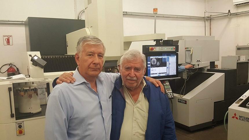 Carlos y Alejandro Kaplun, padre e hijo, dos generaciones que han hecho de Kapco Moldes una realidad.