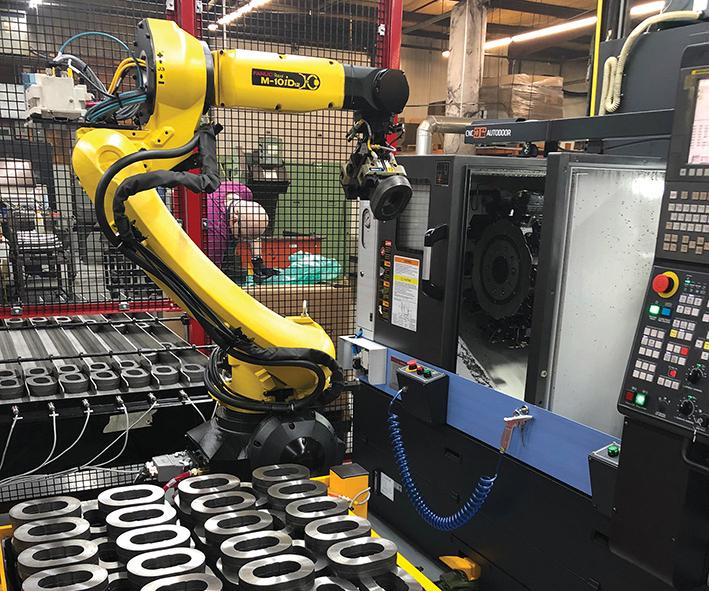 Esta es la última celda de mecanizado atendida por robot de Superior Metal Products. Fue traída para reemplazar la carga manual de una familia de placas fundidas que era un trabajo impopular entre los empleados.
