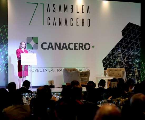La subsecretaria de Comercio Exterior de México, Luz María de la Mora, en la LXXI Asamblea General Ordinaria de la CANACERO.