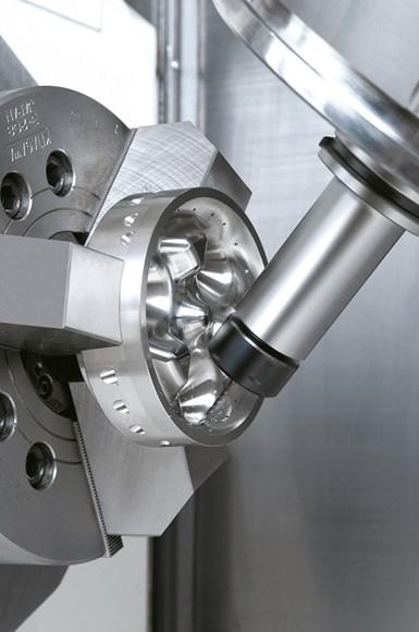 El centro de mecanizado Integrex i200 se caracteriza por su capacidad de integrar procesos de fresado, taladrado, rimado y machuelado, junto con los tradicionales procesos de torneado.