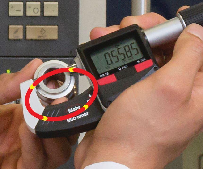 Mantener el lazo de medición tan pequeño como sea posible asegura el mejor desempeño.