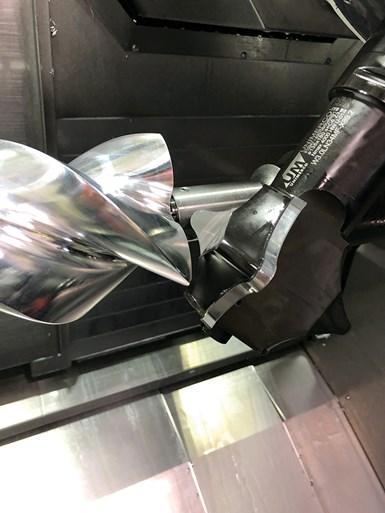Al usar herramientas de forma, Whipple no tiene que realizar operaciones de acabado secundarias como lo haría si usara escariadores para crear las flautas del rotor.