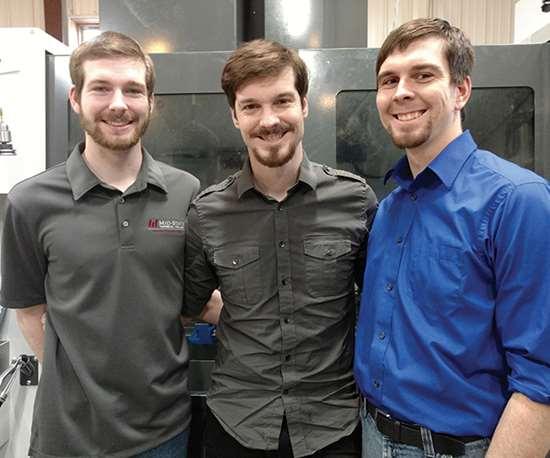 Los hermanos Kody, Kylan y Keegan Hastreiter (de izquierda a derecha) ayudaron a que la empresa se convirtiera de un pequeño taller a ser un Top Shop.