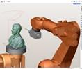 La versión de la empresa SprutCAM 12 Robot, un entorno único para la programación fuera de línea de robots industriales, admite el fresado con un brazo robótico.