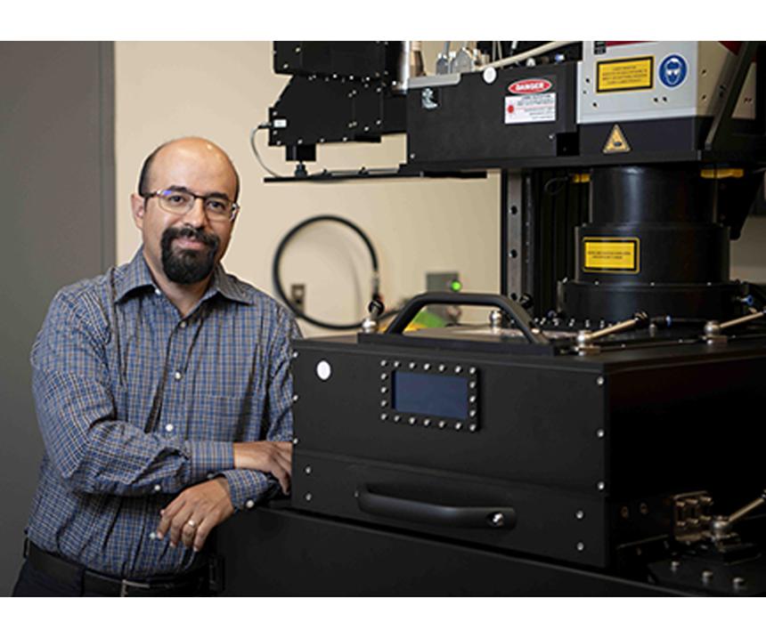Héctor Siller, profesor asistente y coordinador del programa de tecnología de ingeniería de fabricación de la UNT.