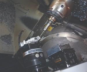 Aquí hay un primer plano de un componente de robótica médica fabricado por Advance CNC Machining. Hasta ahora, la compañía solo ha acometido tres partes que requieren un verdadero mecanizado de contornos de cinco ejes, todo para este cliente.