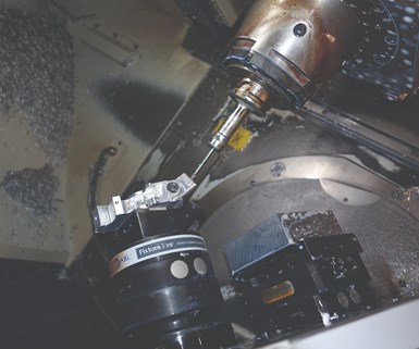 Advance CNC Machining de Grove City, Ohio, ha aumentado constantemente su sofisticación técnica para la manufactura de partes complejas a través de inversiones en nuevas tecnologías. Aquí hay un ejemplo de mecanizado de cinco ejes para un componente de robótica médica que requirió inversiones adicionales en equipos de fijación e inspección.